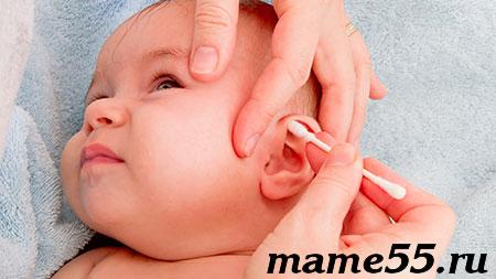 почему опасно чистить уши ватными палочками