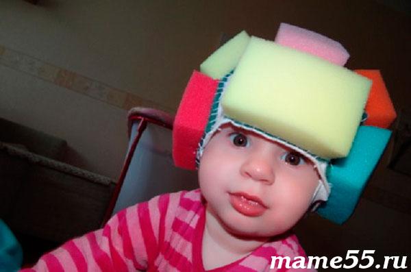 мягкий шлем для защиты головы из мочалок для мытья посуды