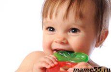 Когда режутся первые зубы у младенцев симптомы | Как помочь?
