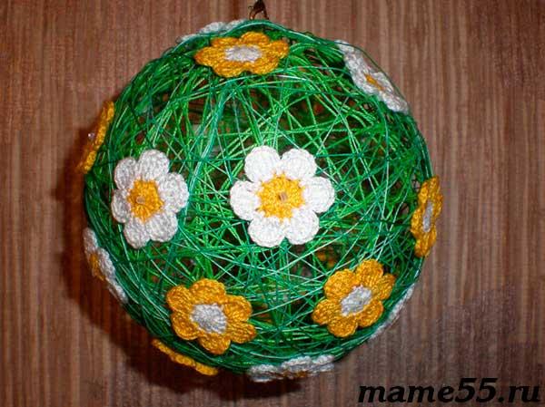 Шар из ниток декор цветы