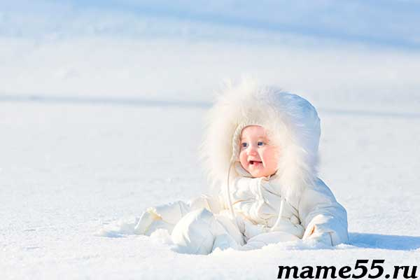 kak-odet-novorozhdennogo-na-progulku-zimoj