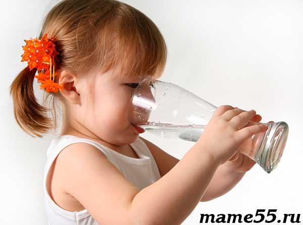 Какая вода лучше для новорожденного