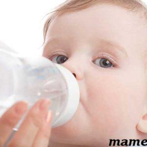 Можно ли новорожденному грудничку давать кипяченую воду?
