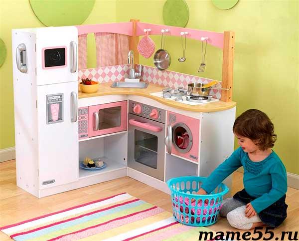 Детская кухня со встроенной техникой