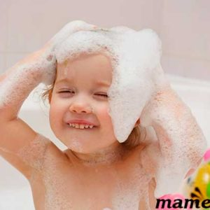 У ребенка температура, можно ли его купать или нет?