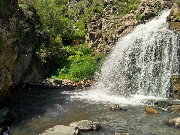 Камышлинский водопад Алтай