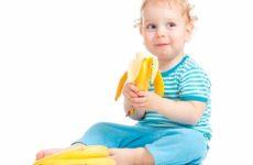Не спешим вводить банан в прикорм маленького ребенка